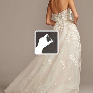 David's bridal  Floral Tulle Wedding Dress!!